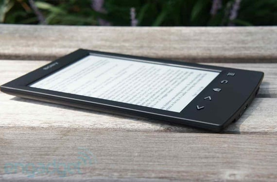 Modelo negro Sony PRS-T2