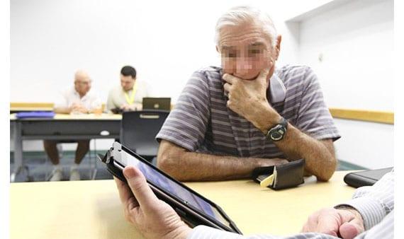 Personas mayores y lectores