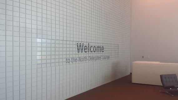 eWall, la pantalla de tinta electrónica más grande del mundo