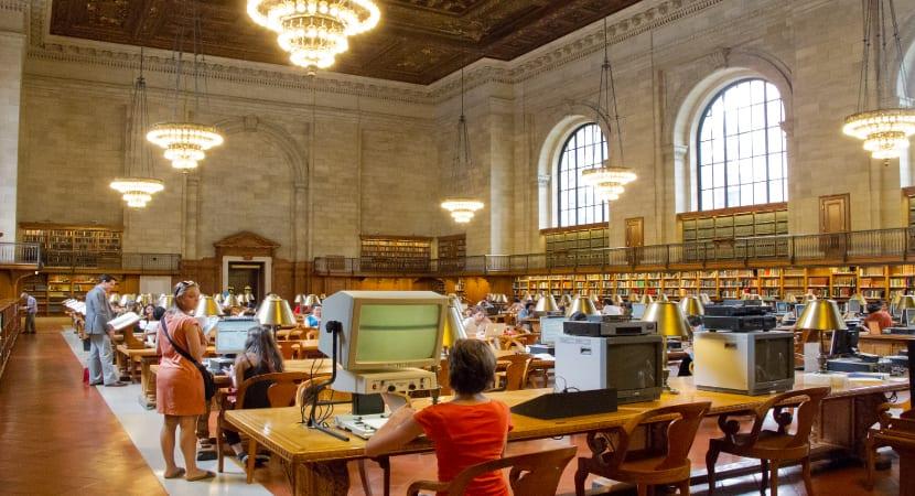 Las bibliotecas estadounidenses cobran por su uso