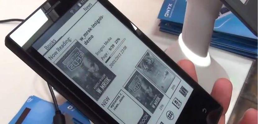 InkPhone de Onyx, mitad eReader, mitad Smatphone