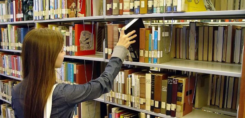 ¿Por qué en España no tendremos libros de texto digitales gratuitos?