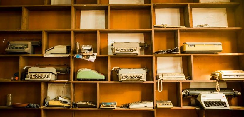 Rusia vuelve a las máquinas de escribir, ¿ abandonará también el ebook?