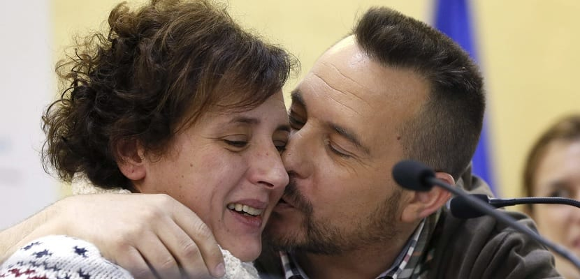 Teresa Romero y Javier Limón