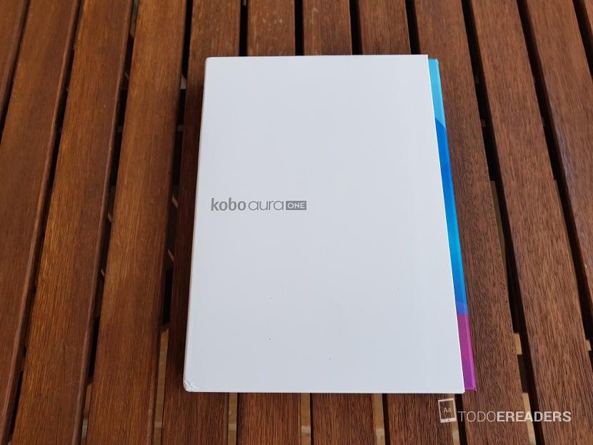 Packaging y presentación del lector electronico Kobo aura One