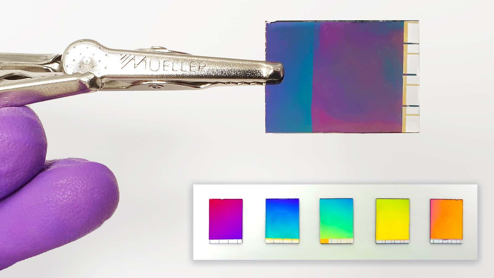 Panel de tinta electrónica a color con forma de papel