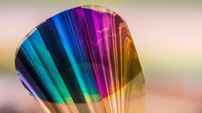 Papel electrónico a color